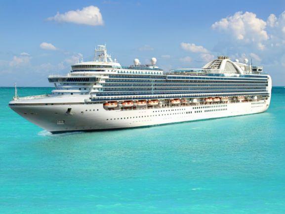 Путешествие на круизном лайнере: преимущества и недостатки